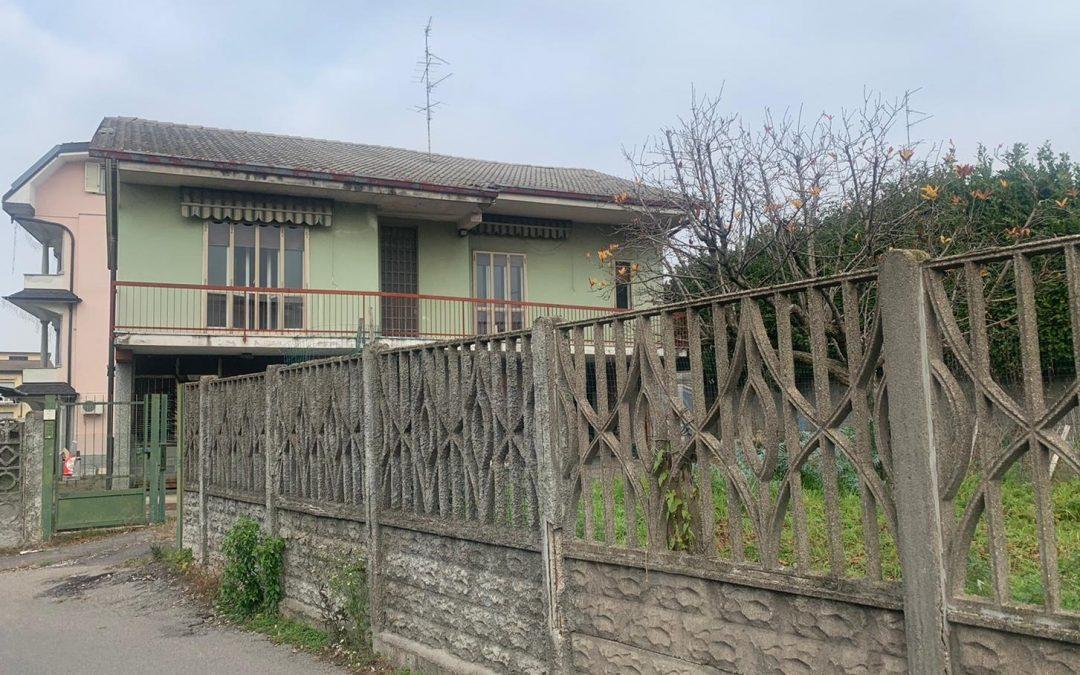 Villa+giardino UBOLDO