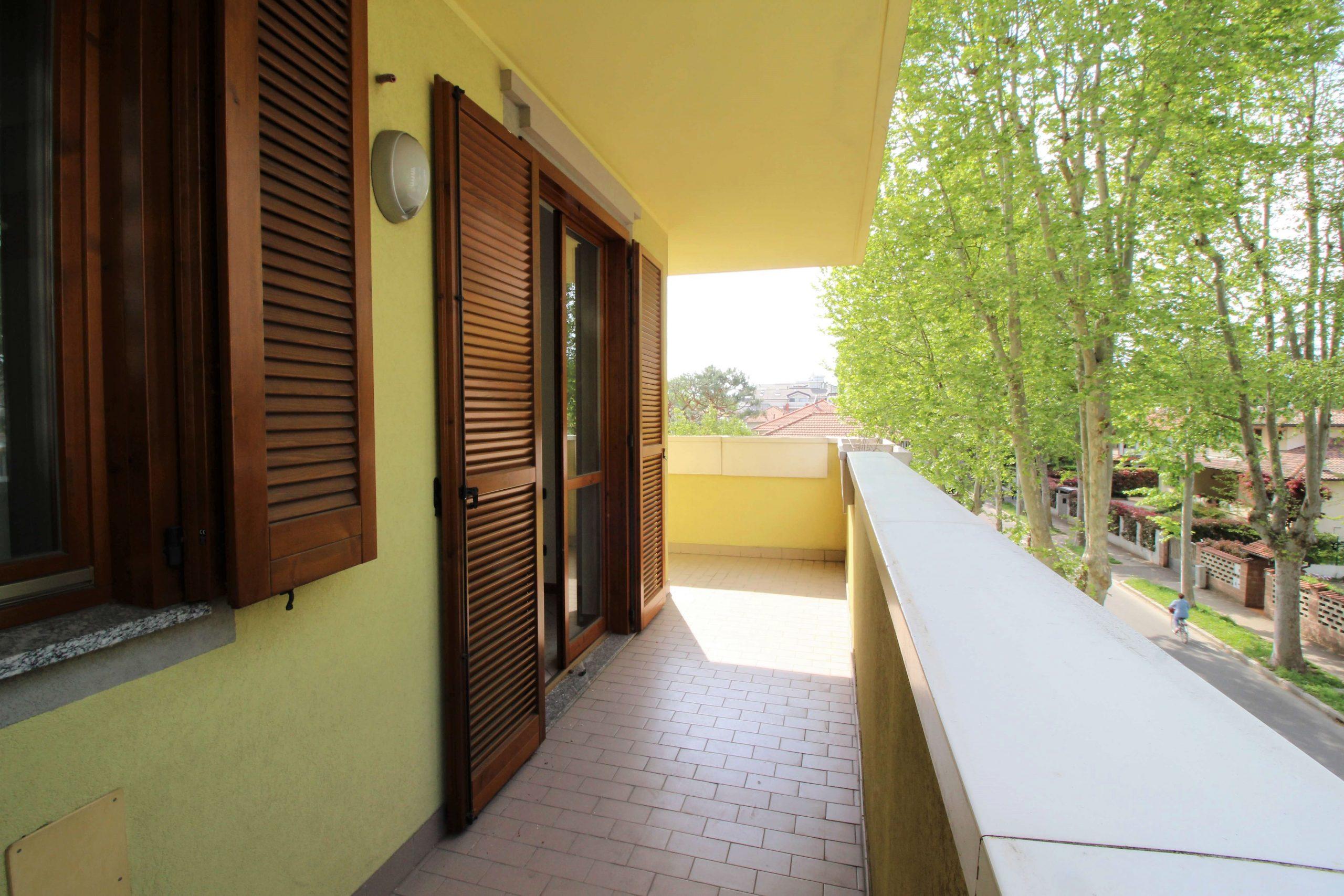 Bilocale+terrazzo CARONNO PERTUSELLA